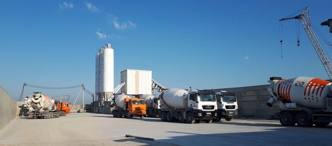 2 завода. Основной РБУ LIEBHERR - 100 м3/час, вспомогательный - 60 м3/час